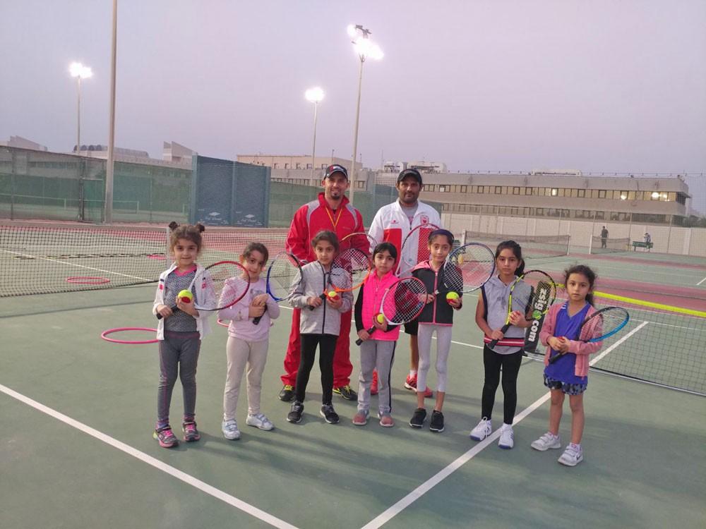 برنامج لاكتشاف المواهب بين اتحاد التنس ونادي البحرين