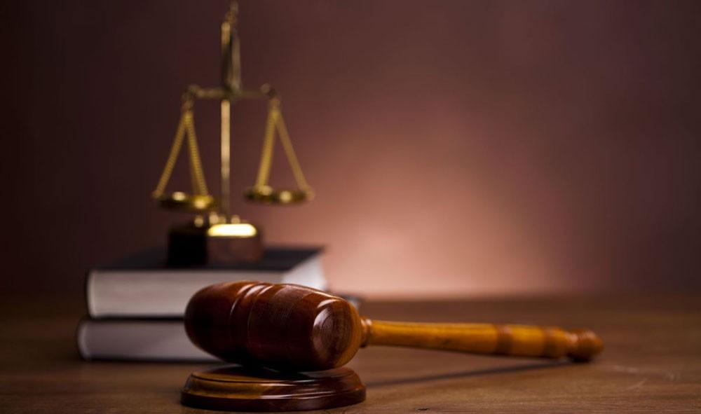 إلغاء حبس فنان معروف وتغريمه 200 دينار لسبّه نائب سابق