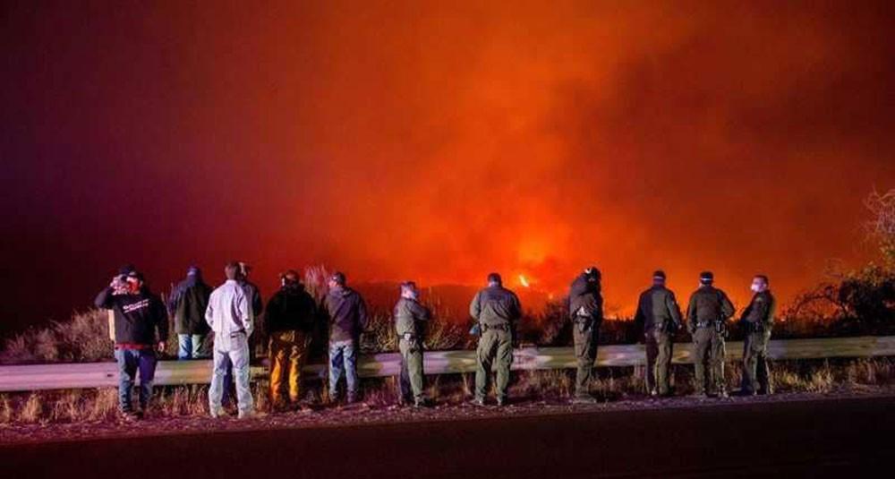 الحرائق تشتد في كاليفورنيا والسلطات تدعو السكان للتأهب