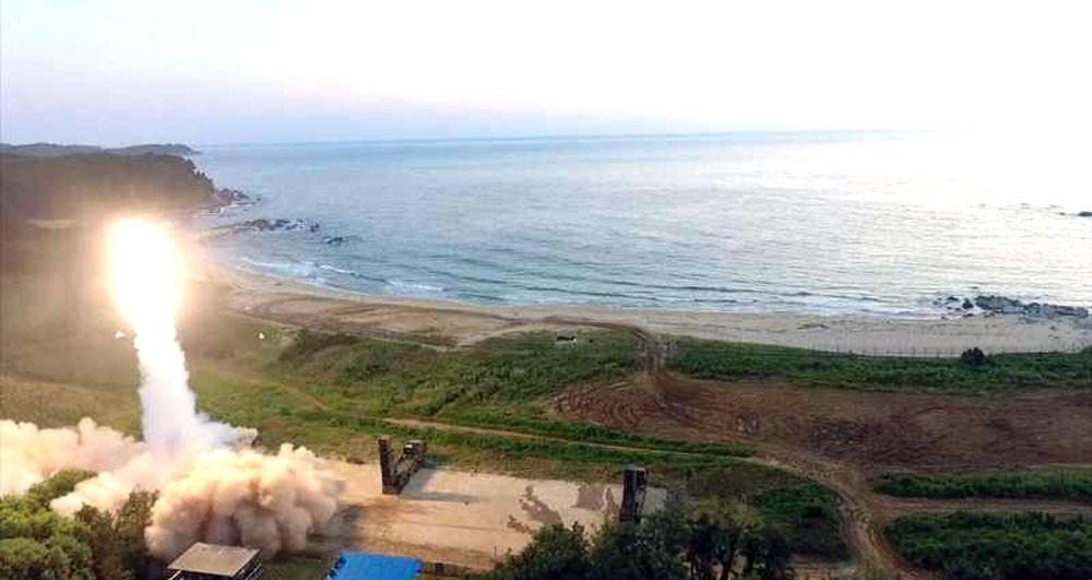 اليابان تتسلح بالصواريخ لردع كوريا الشمالية