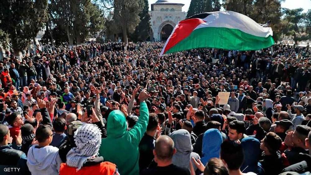 تظاهرات القدس .. قتيل في غزة وغليان بالضفة