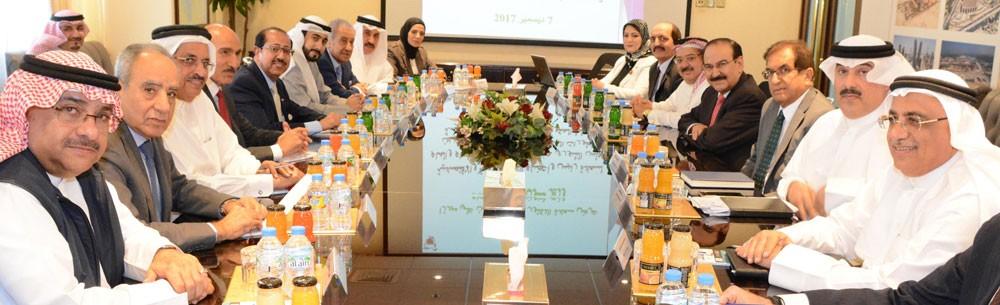 وزير الكهرباء يجتمع مع اللجنة المالية والاقتصادية بمجلس الشورى