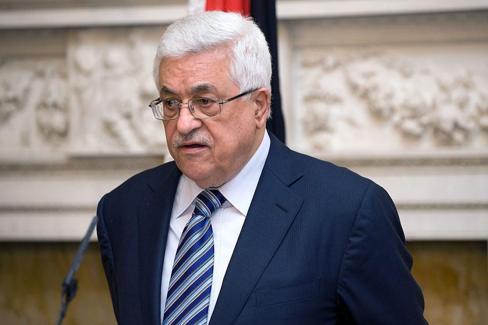 """عباس """"لن يلتقي"""" نائب ترامب"""