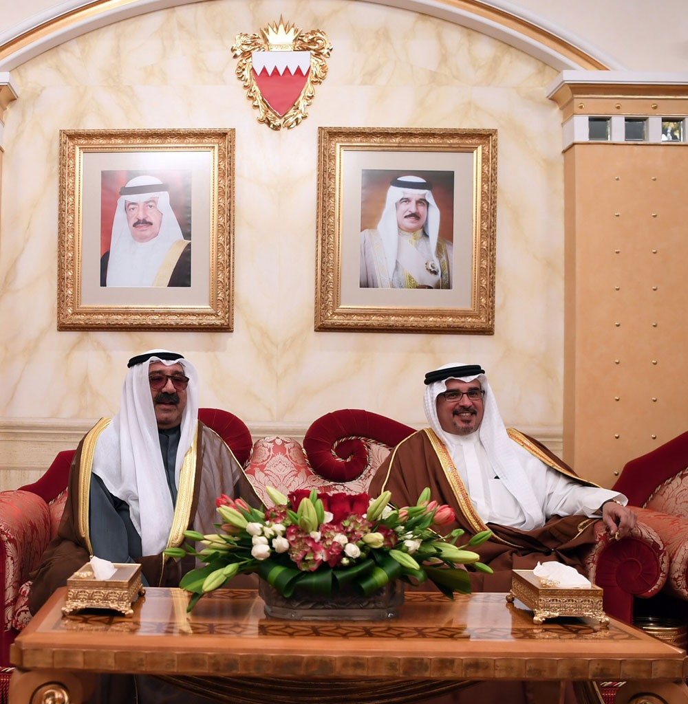 ولي العهد يؤكد على ما تكنه البحرين للكويت من تقدير واعتزاز