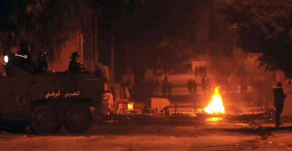 الجيش ينتشر بمدن تونسية بعد تصاعد الاحتجاجات