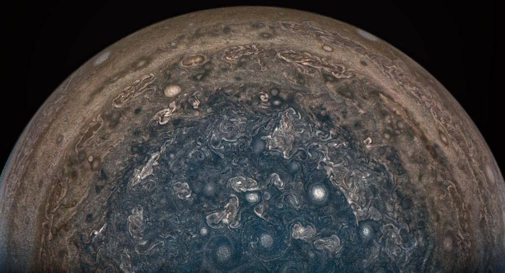 كوكب المشتري... أشبه بلوحة فنية