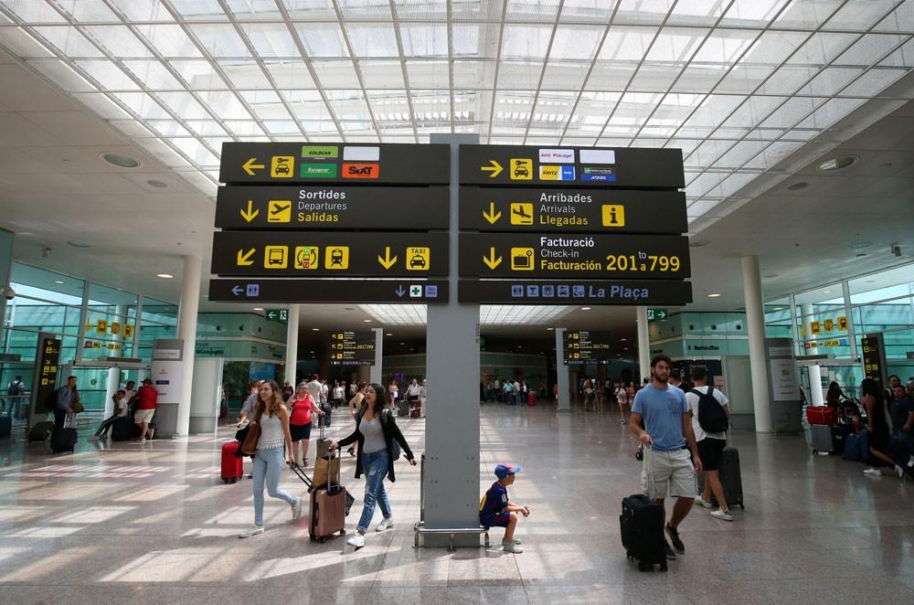 رغم الهجمات الإرهابية.. السياحة في إسبانيا تتألق بـ2017