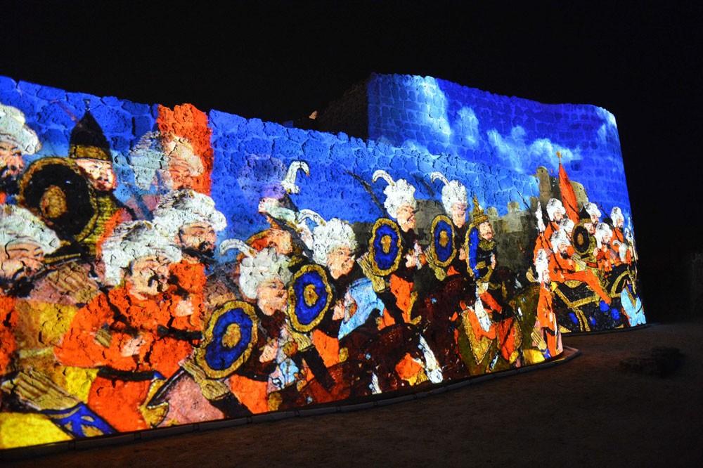 """هيئة الثقافة تدشّن النسخة الإنجليزية من مشروع """"الصوت والضوء"""" بموقع قلعة البحرين"""