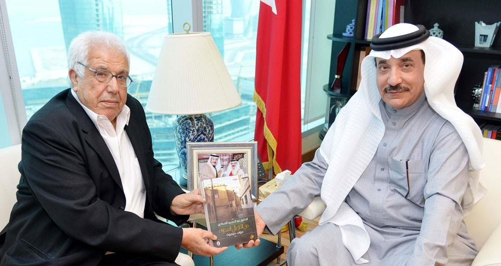 حميدان يشيد بعطاء الدكتور عبدالحميد المحادين في مسيرته التربوية والتعليمية في البحرين