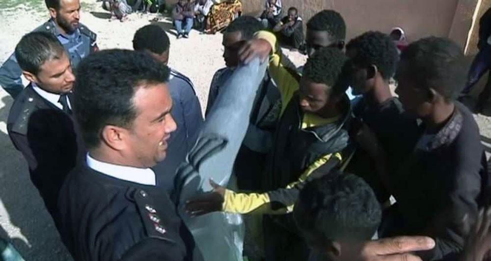 اعتقال عشرات المهاجرين الأفارقة في ليبيا