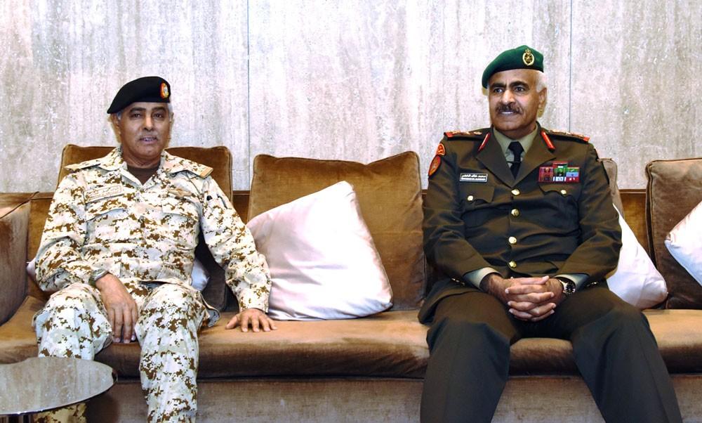 رئيس الأركان يودع رئيس الاركان للجيش الكويتي