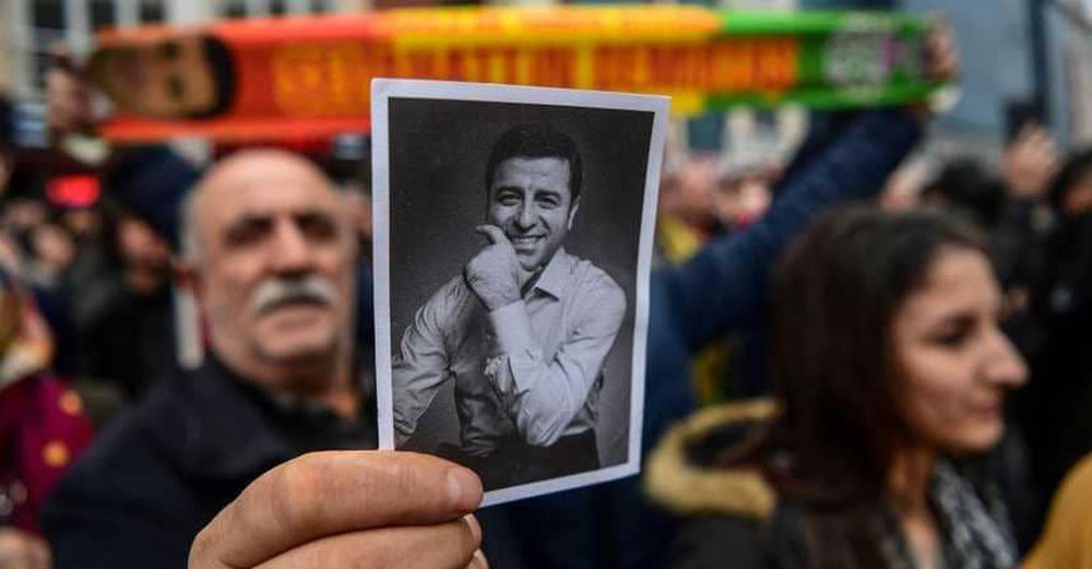 دميرتاش يمثل أمام محكمة تركية للمرة الأولى