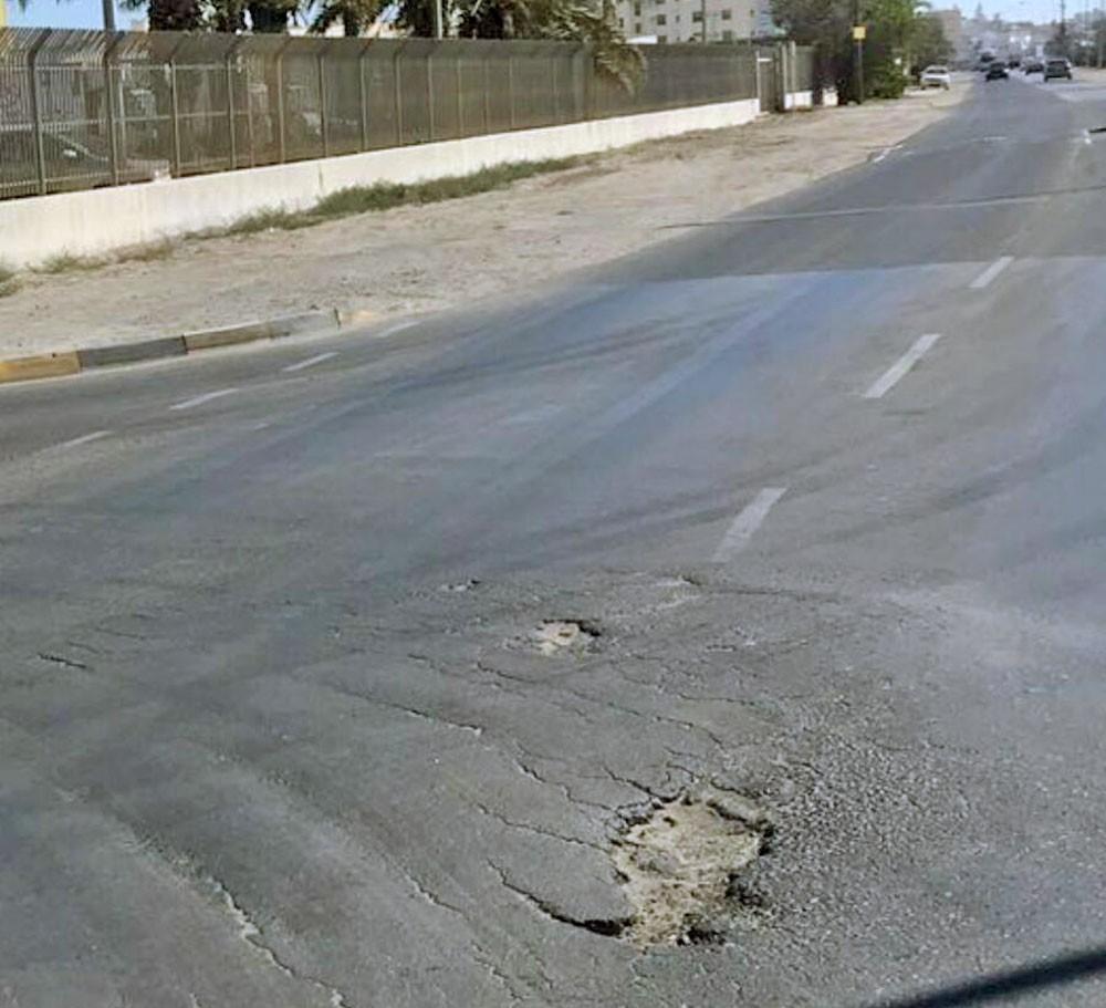 البلدي بوعنق يكشف عن مشكلة تضرر الشوارع وضعف الجودة فيها