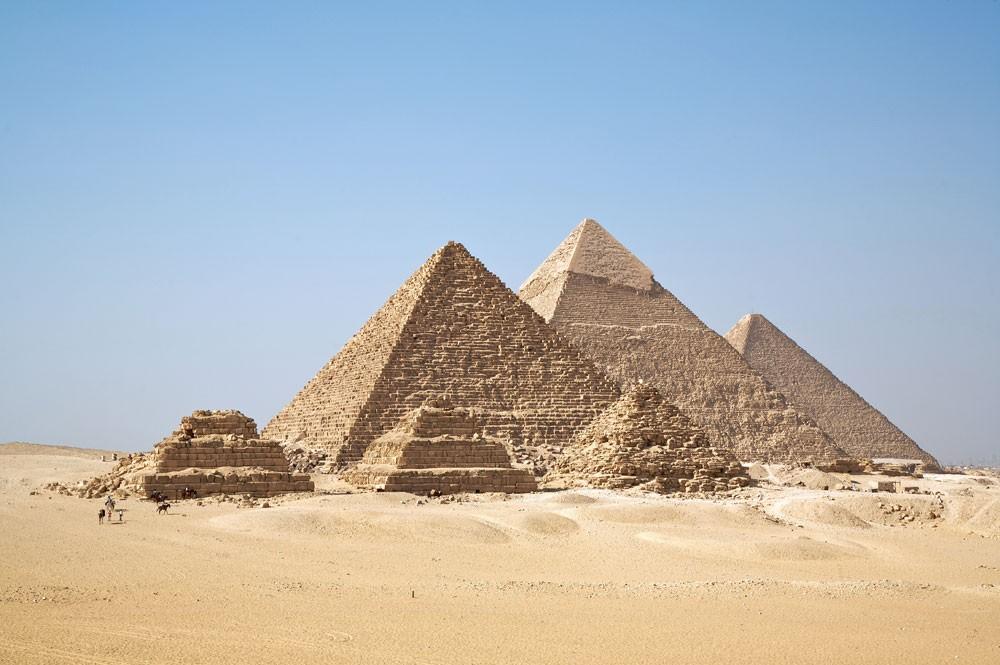 إيرادات مصر من السياحة تقفز بأكثر من 100% في 2017