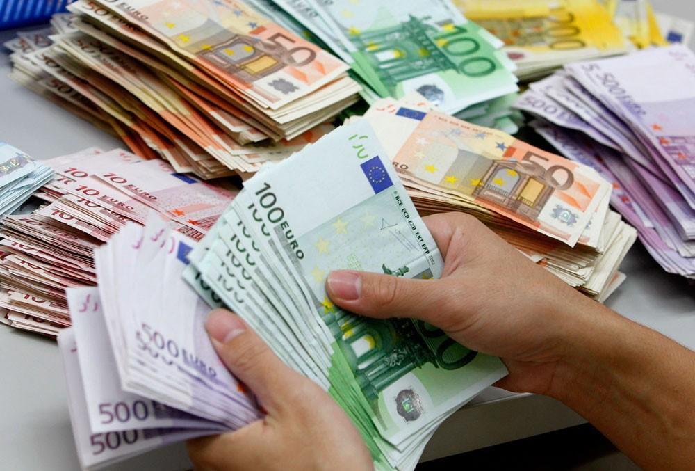 استقرار اليورو عند اعلى مستوى في 3 سنوات