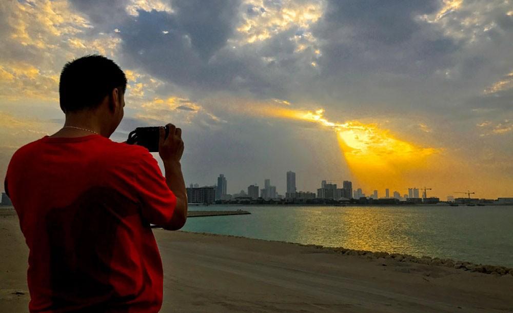 الطقس المتوقع اليوم في مملكة البحرين : معتدل مع بعض السحب