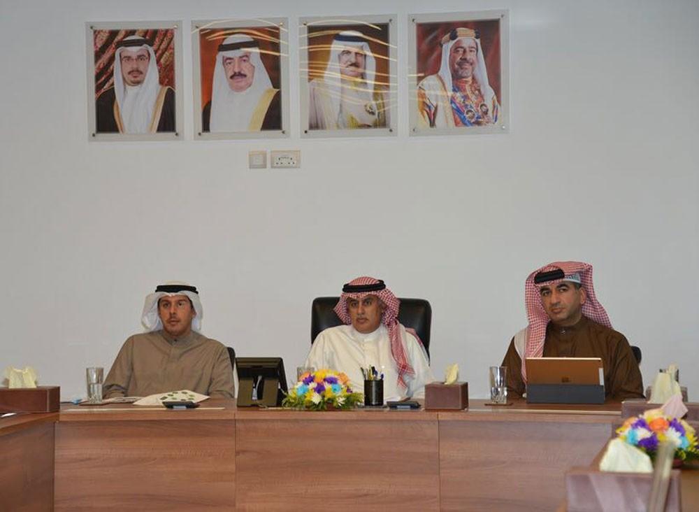 """تطوير سوق المنامة على قائمة مشروعات """"السياحة"""""""