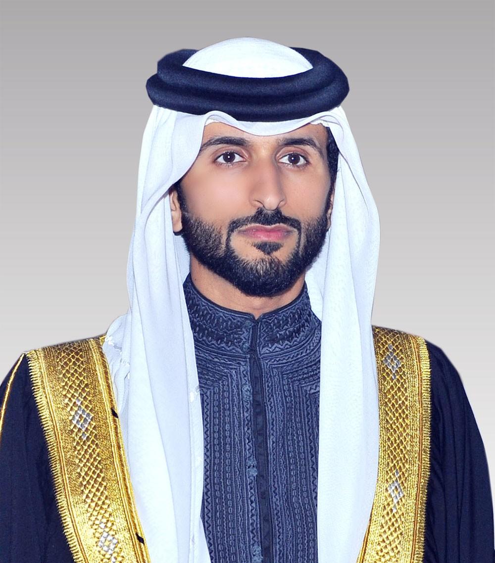 عسكر يهنىء ناصر بن حمد بإنجاز التاج الثلاثي