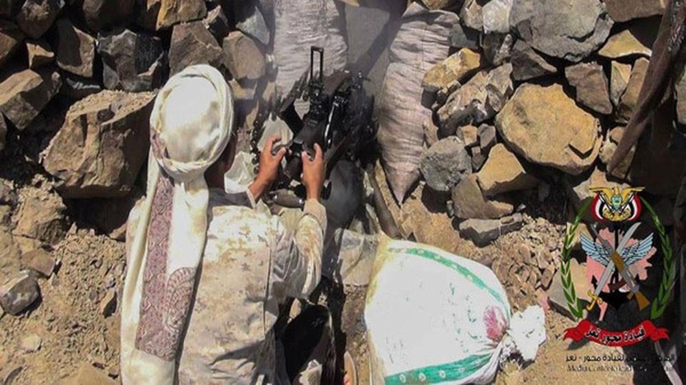 الجيش اليمني يتقدم شمال وغرب تعز.. ويدك أوكار الحوثي