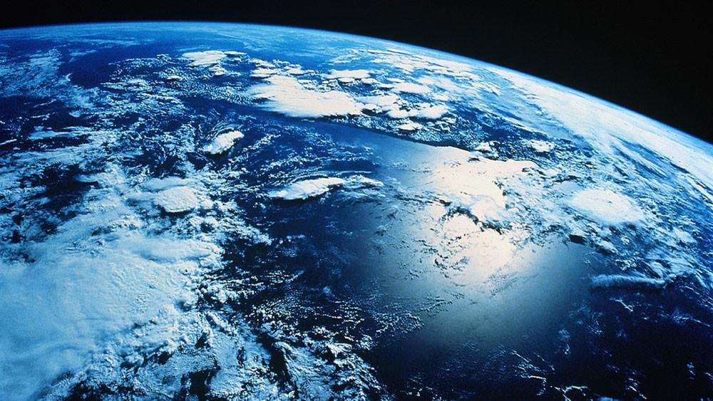 علماء يدقون ناقوس الخطر .. خلل مغناطيسي يهدد الأرض