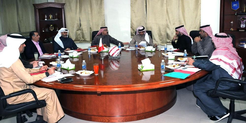 علي بن خليفة يترأس الاجتماع السابع عشر لمجلس إدارة اتحاد الكرة