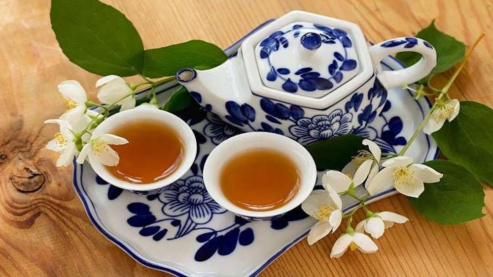 الأطباء يكشفون العلاقة بين الشاي الحار والسرطان