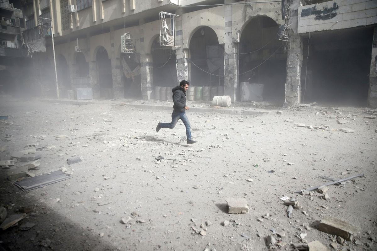 مجازر الأسد تتواصل في الغوطة.. ومقتل 7 اليوم