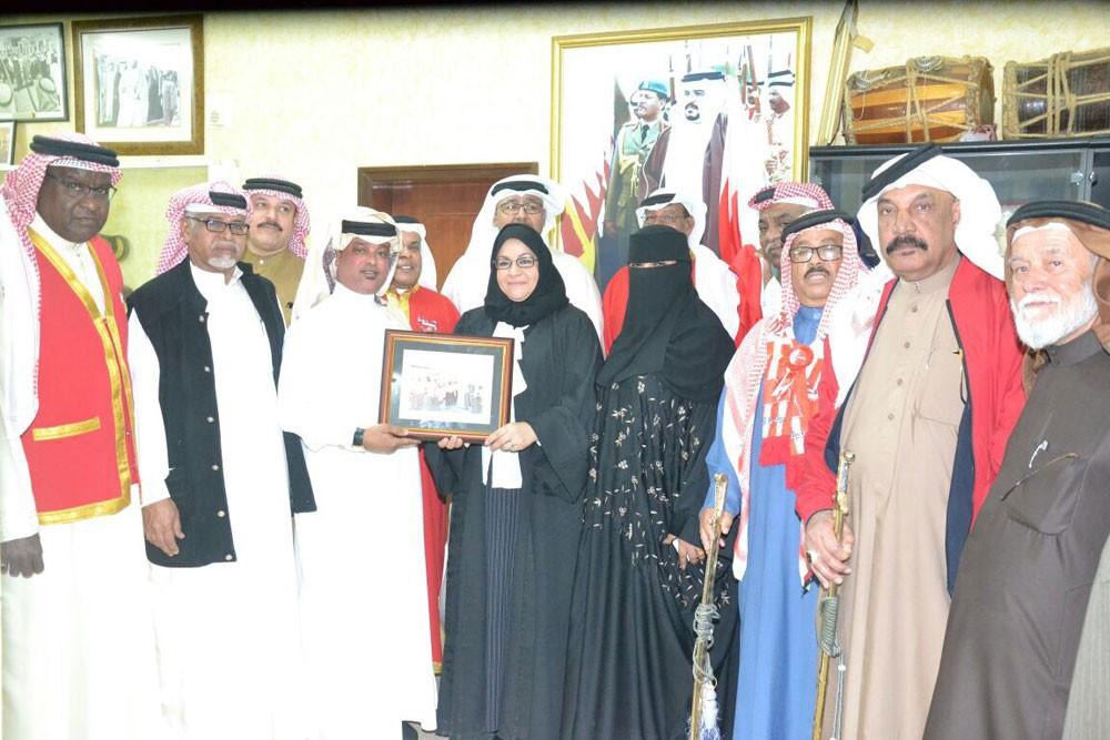دار المحرق لرعاية الوالدين تزور جمعية رعاية العرضة البحرينية