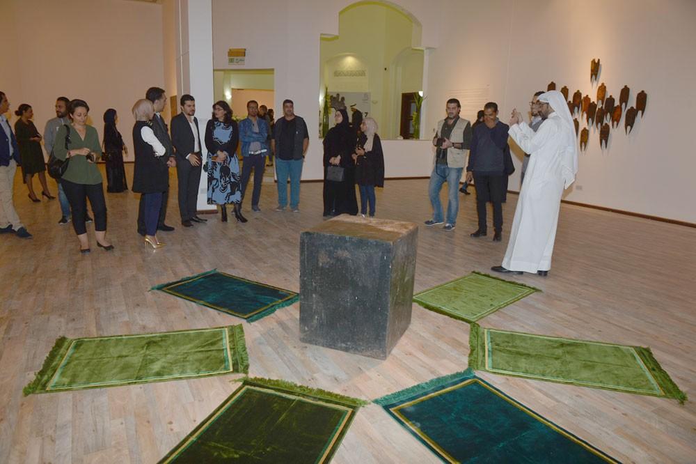"""هيئة الثقافة تفتتح معرض """"هائمون"""" في مركز الفنون"""