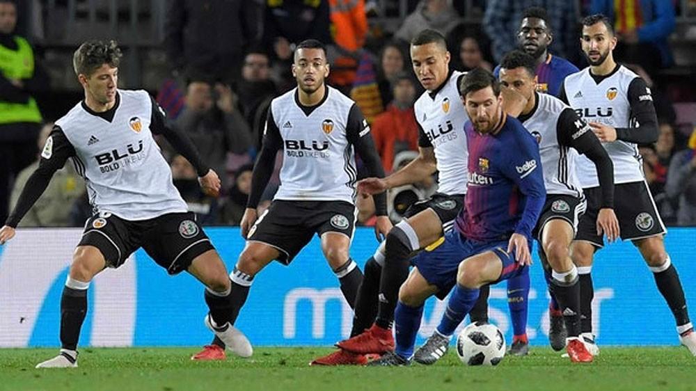 برشلونة أمام عقبة فالنسيا الصعبة لبلوغ النهائي