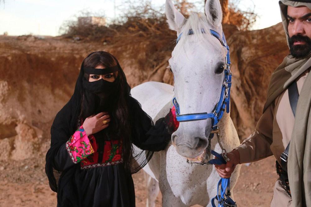 بادية نجد تشهد تألق أميرة محمد أمام سيدة الشاشة الخليجية