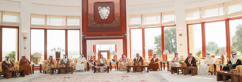 الملك يستقبل الشيخ سلطان بن سحيم آل ثاني