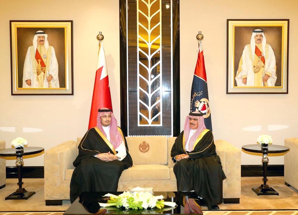 وزير الداخلية يشيد بالعلاقات التاريخية الوثيقة مع السعودية