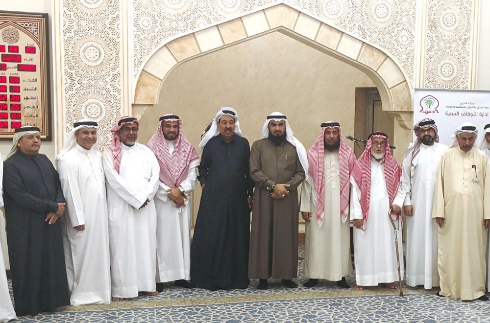 رئيس الأوقاف السنية يفتتح مسجد مريم لوري