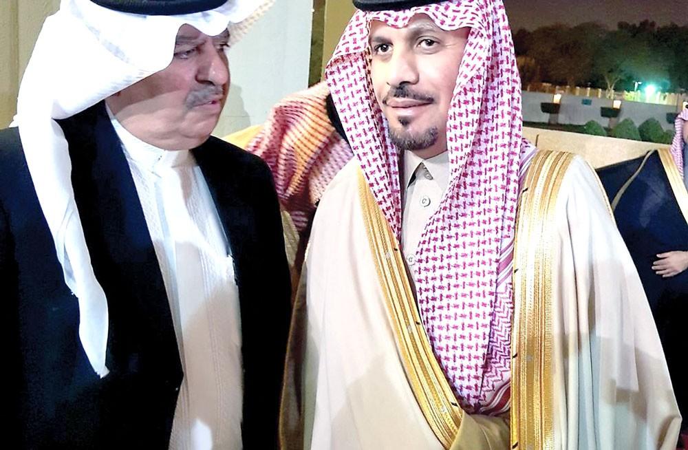 وزير الحرس الوطني السعودي يشيد بالعلاقات مع البحرين