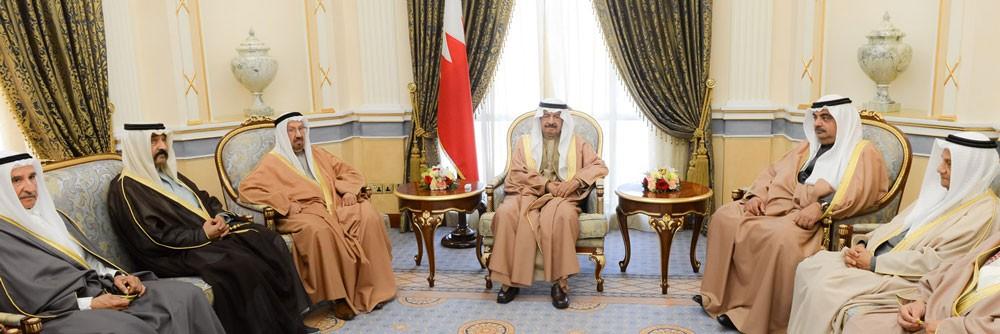رئيس الوزراء يؤكد اعتزازه وتقديره للجهود الوطنية في سبيل رفع اسم البحرين عاليا