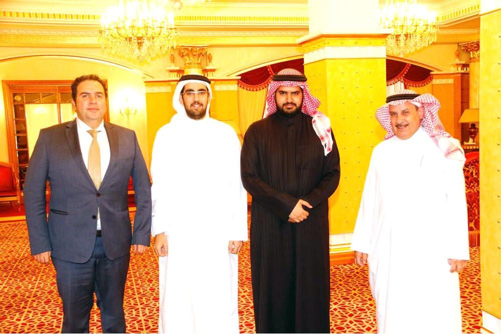 سمو الشيخ عيسى بن علي يستقبل نظيره السعودي
