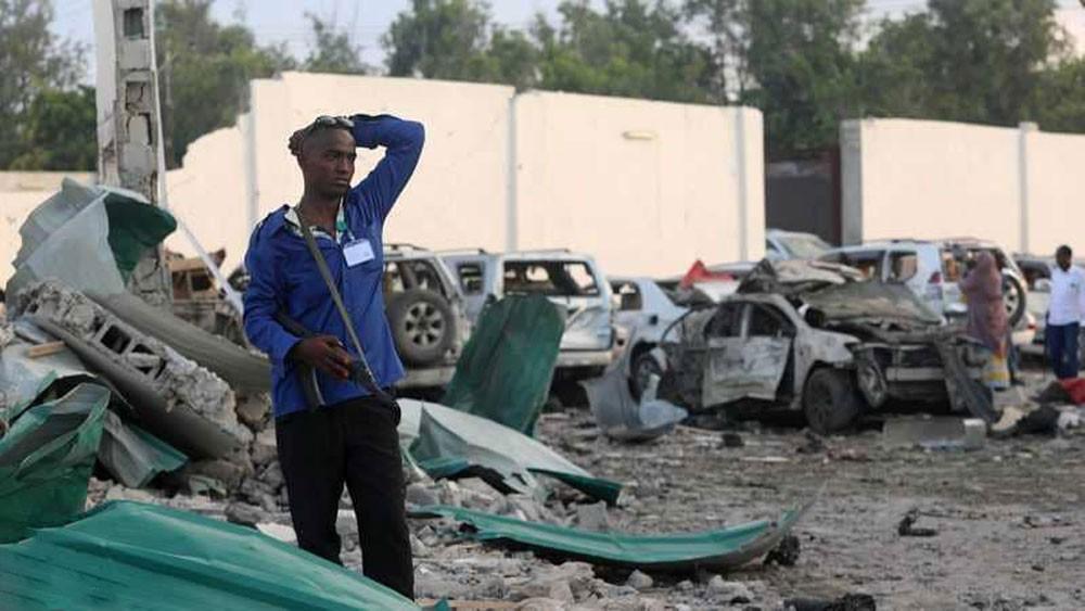 """ارتفاع """"كبير"""" في عدد ضحايا تفجيرين بالعاصمة الصومالية"""