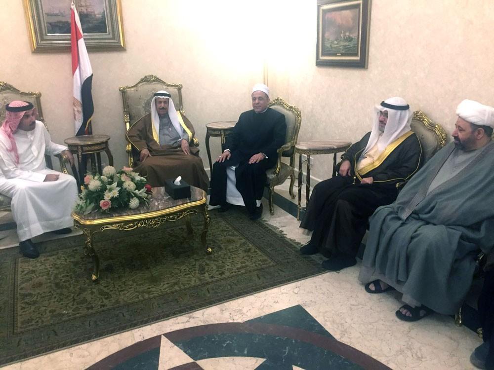 """عبدالرحمن بن محمد يصل إلى القاهرة للمشاركة في مؤتمر """"صناعة الإرهاب"""""""