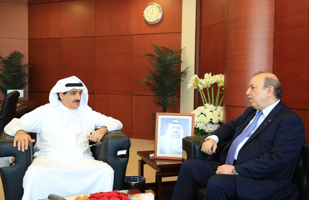 رئيس جهاز المساحة يستقبل السفير الفليسطيني