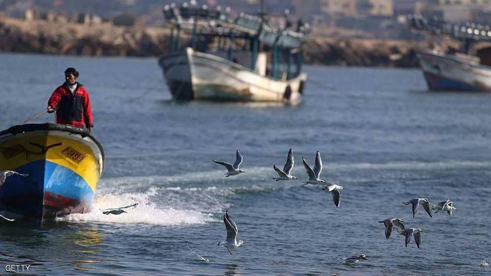 البحرية الإسرائيلية تقتل فلسطينيا تجاوز قاربه منطقة الصيد
