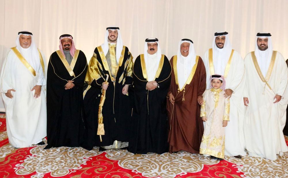 جلالة الملك يشرف حفل زواج نجل الشيخ عيسي بن علي بن عبدالله آل خليفة