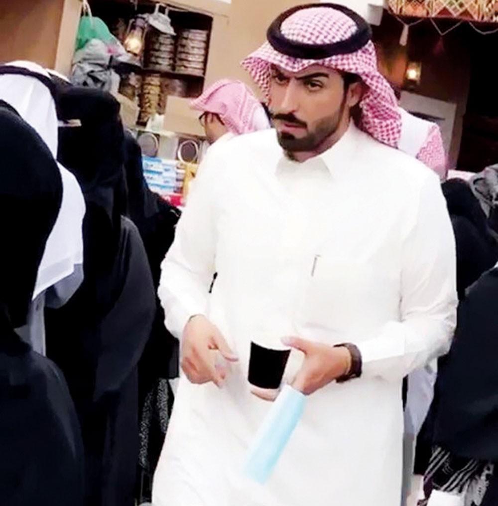 ما قصة السعودي بائع (كليجا) الوسيم؟