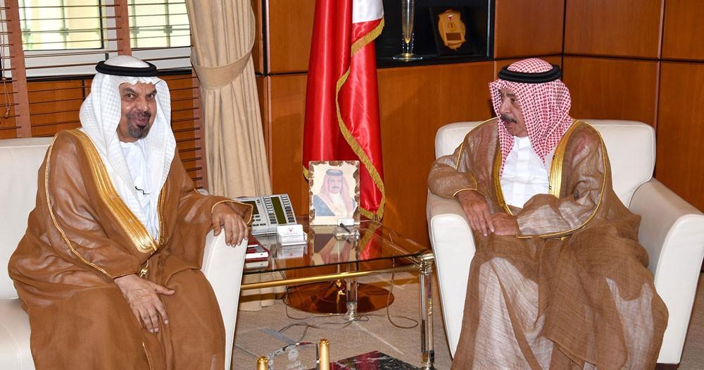 وزير الديوان الملكي يستقبل سفير دولة الامارات العربية المتحدة