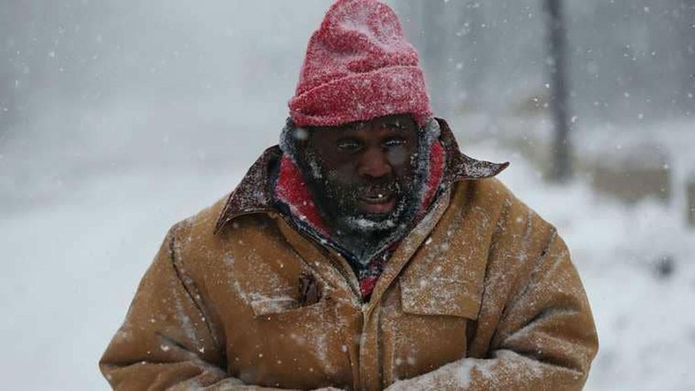 مشردو بروكسل تحت وطأة الاعتقال خيفة البرد القارس