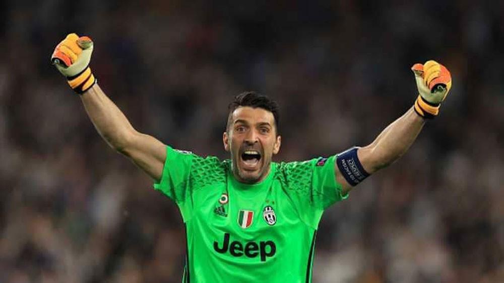 مفاجأة لعشاق المنتخب الإيطالي.. بوفون مستعد للعودة