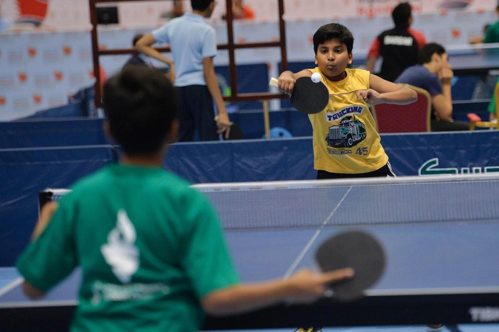 مشاركة واسعة في منافسات كرة الطاولة للبنين