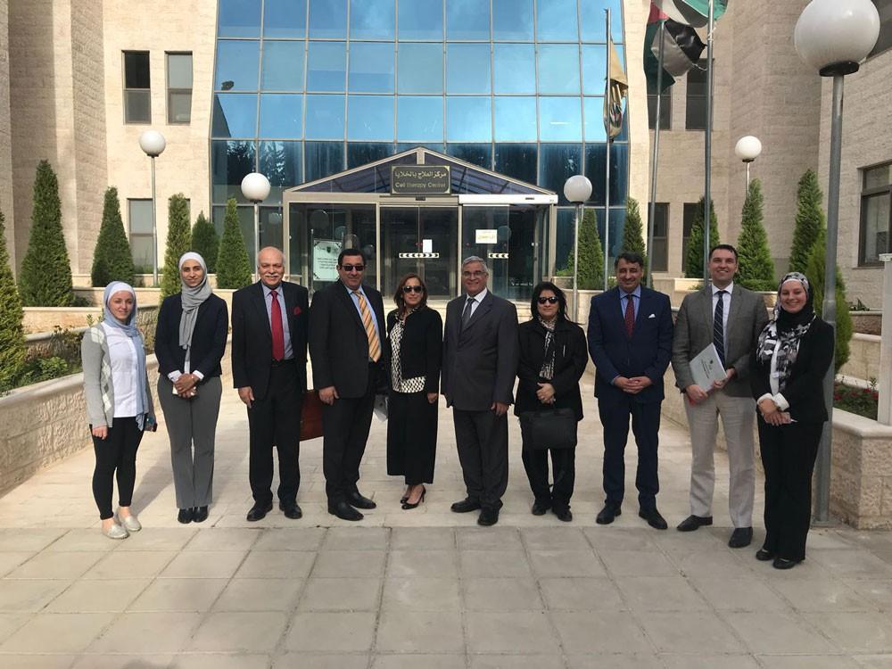 """وفد صحي يزور الجامعة الأردنية للإطلاع على  تطبيق """"البحوث السريرية"""""""