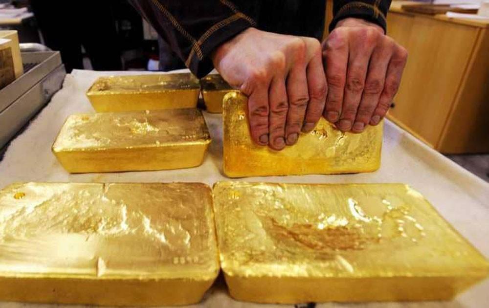 """الذهب """"ينخفض"""" مع ارتفاع الأسهم"""