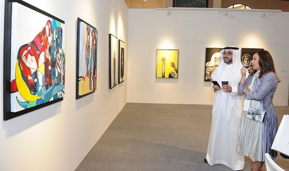 """""""فن البحرين عبر الحدود"""" يساهم في توعية وتثقيف الحضور"""